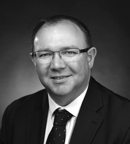 Paul Lyons : Lawyer