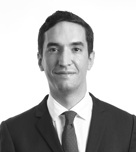 Noe Reiff : Senior Lawyer